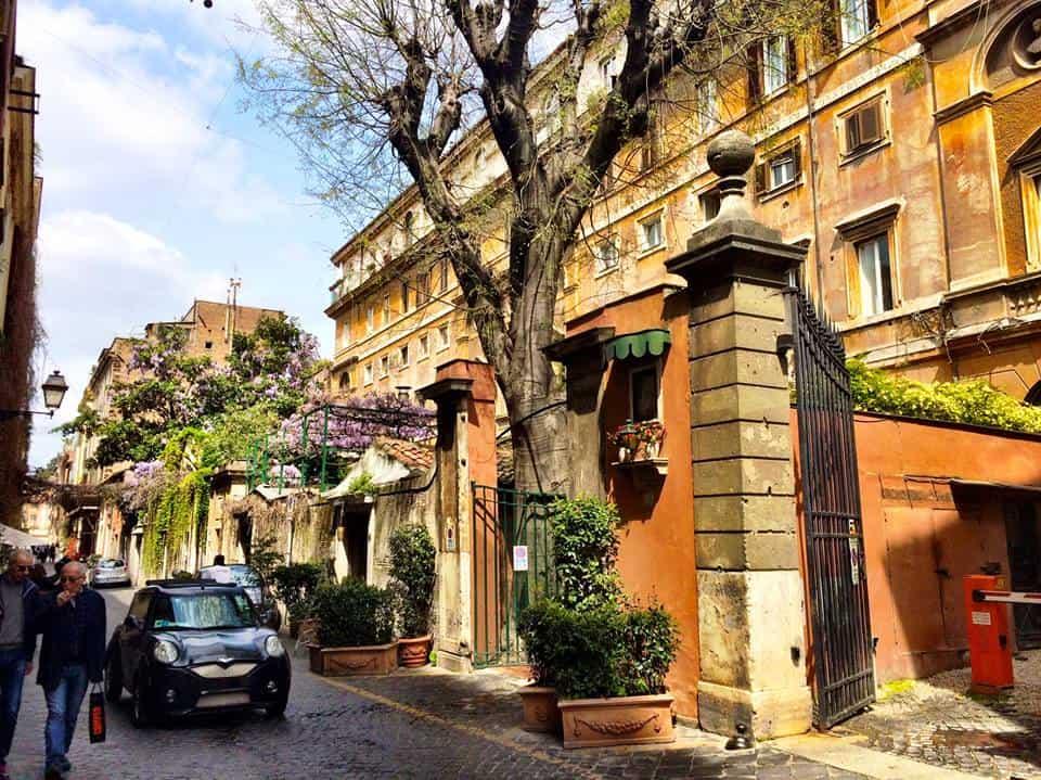 Via Margutta - Виа Маргутта - Рим, Италия - Eat Fly Dress by Yuliah Vine
