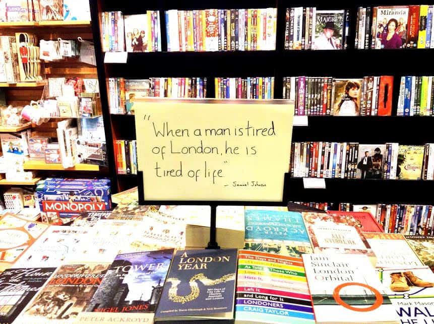 Книжный магазин Waterstone в Лондоне - eat fly dress by Yuliah Vine