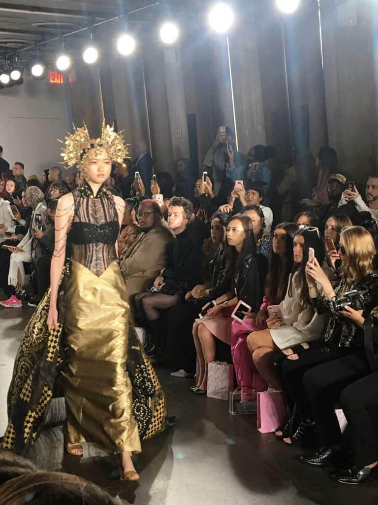 Нשבוע אופנה בניו יורק ספטמבר 2017 - eat-fly-dress by Yuliah Vine