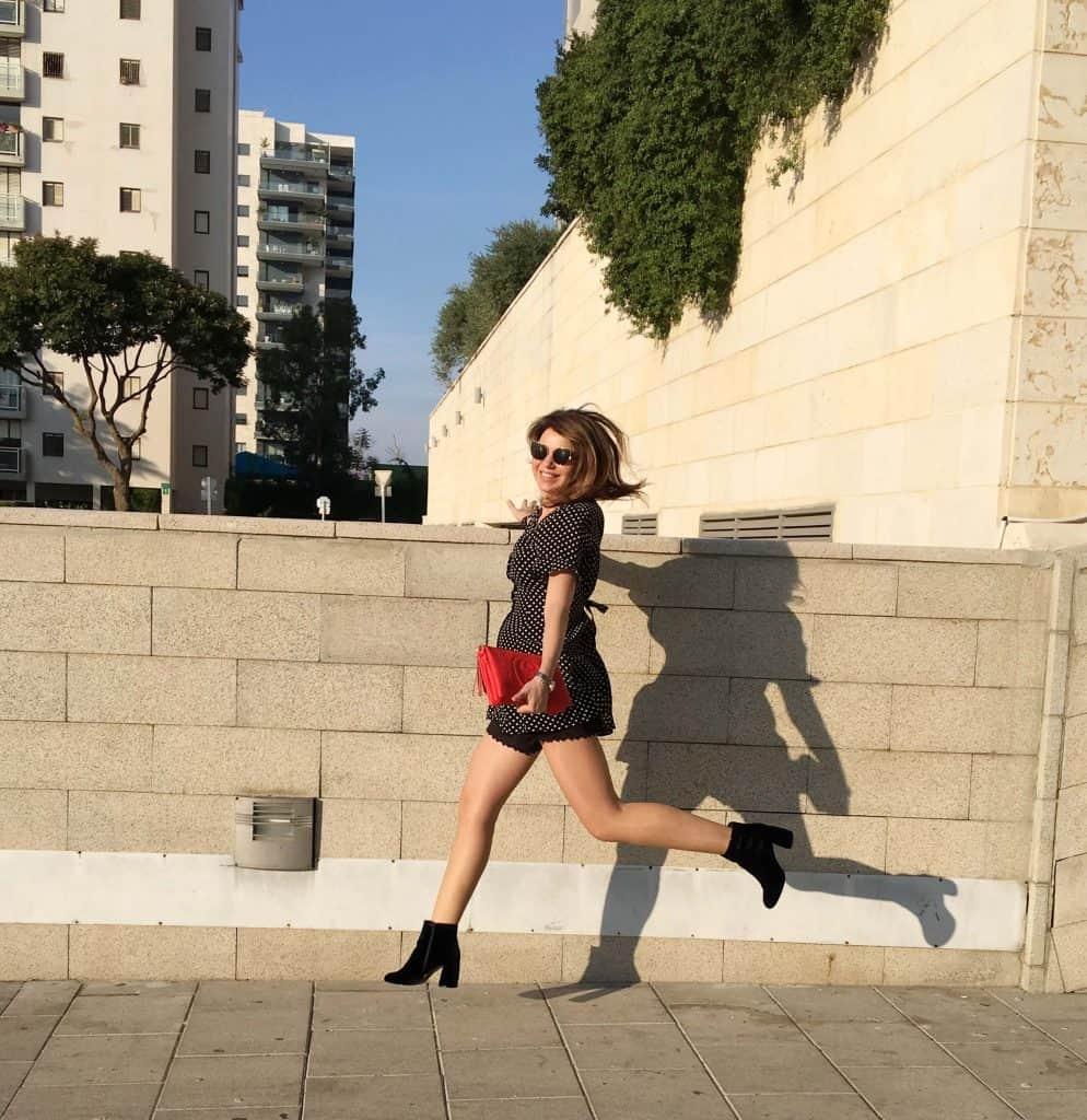 שתי שמלות לכל מזג אוויר תל-אביב סטייל