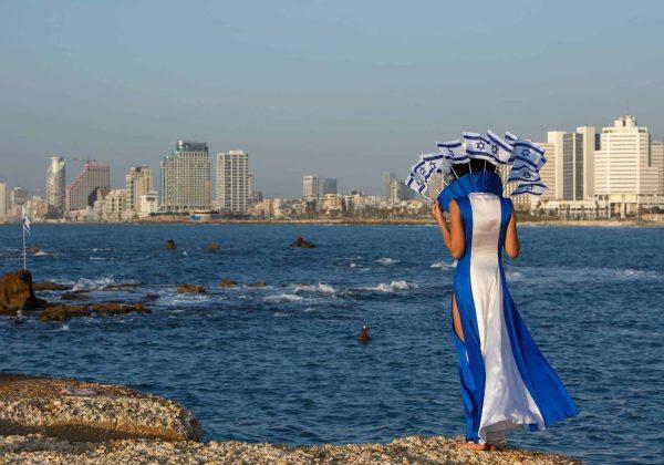 שני צבעים האהובים :כחול ולבן. חגיגת יום העצמאות במלתחה שלי