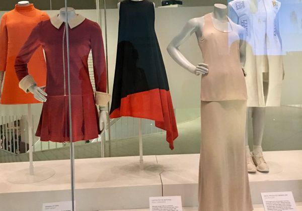 Выставка Balenсiaga в музее Виктории и Альберта